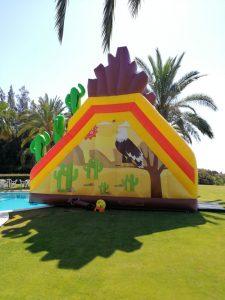 Alquiler Super tobogan hinchable en Marbella